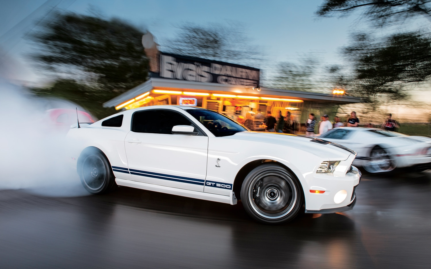 2013 Ford Shelby GT500 Front Right Side View1