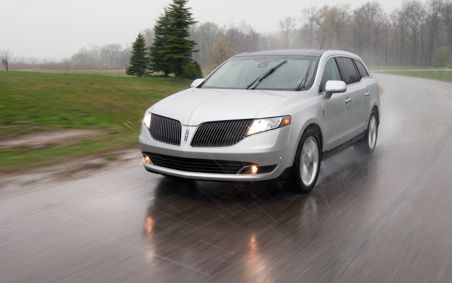 2013 Lincoln MKT Ecoboost Front Left View 51