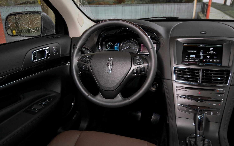 http://st.automobilemag.com/uploads/sites/11/2012/05/2013-Lincoln-MKT-Ecoboost-steering-wheel.jpg