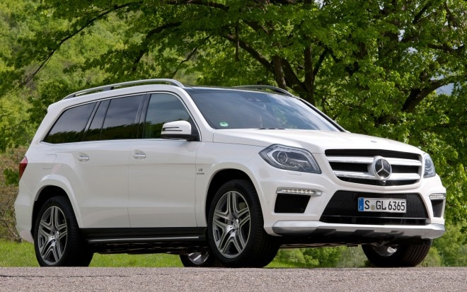 2013 Mercedes Benz GL63 AMG Front Three Quarters View 21 660x413