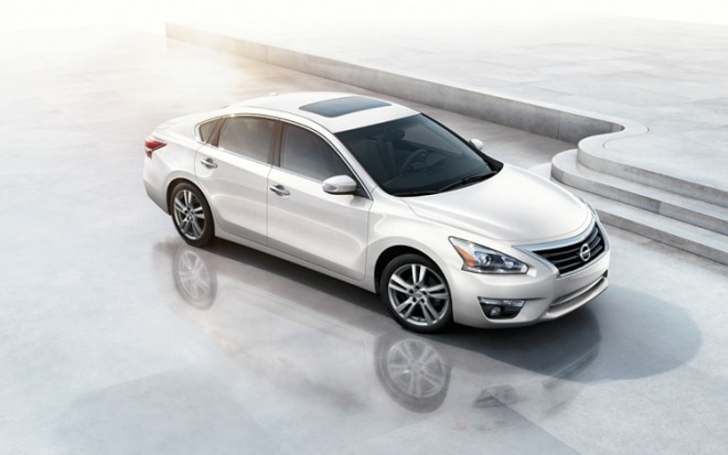 2013 Nissan Altima Front Three Quarter1 660x413