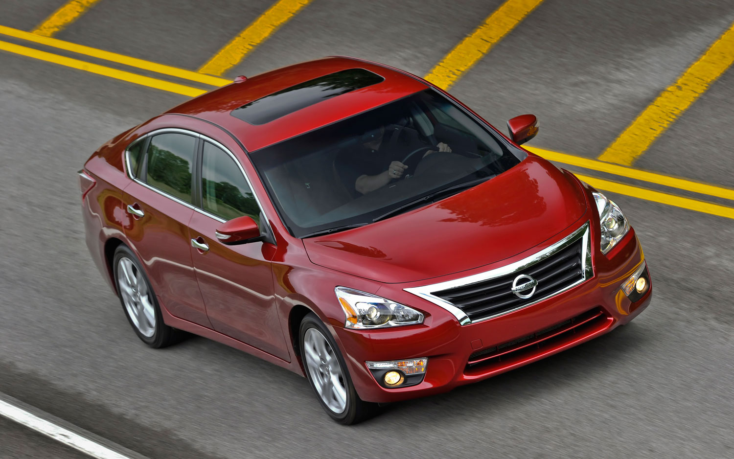 2013 Nissan Altima Right Front 11