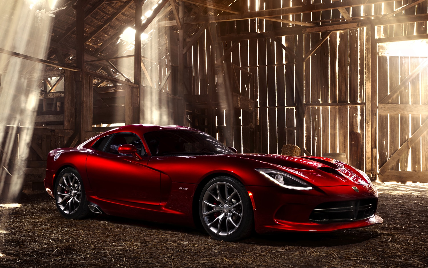2013 SRT Viper Front Three Quarter1