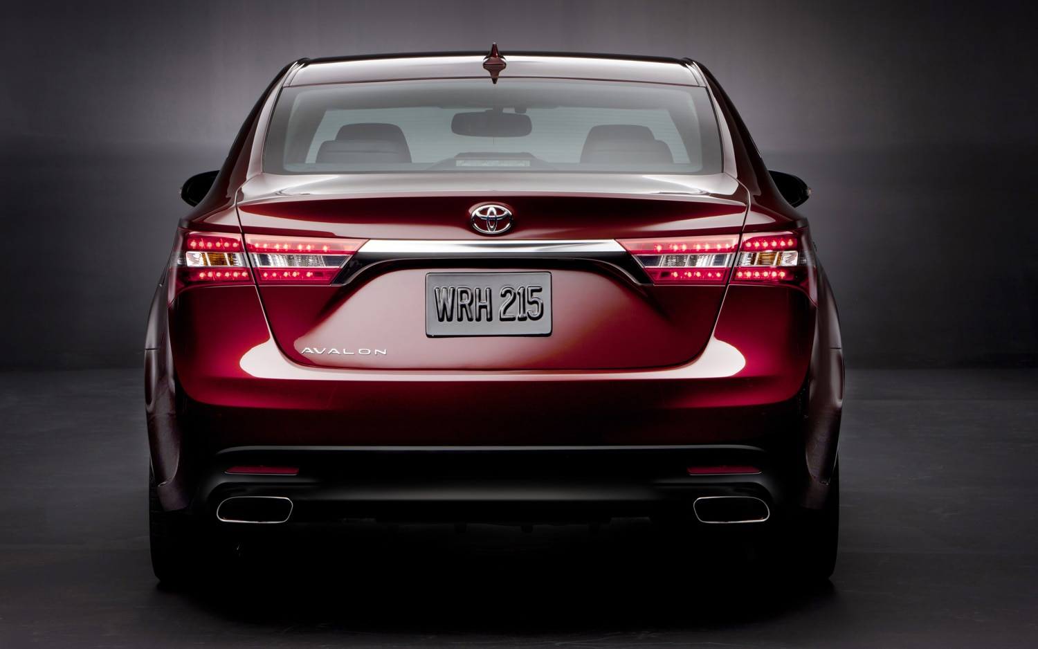 2013 Toyota Avalon Rear End1