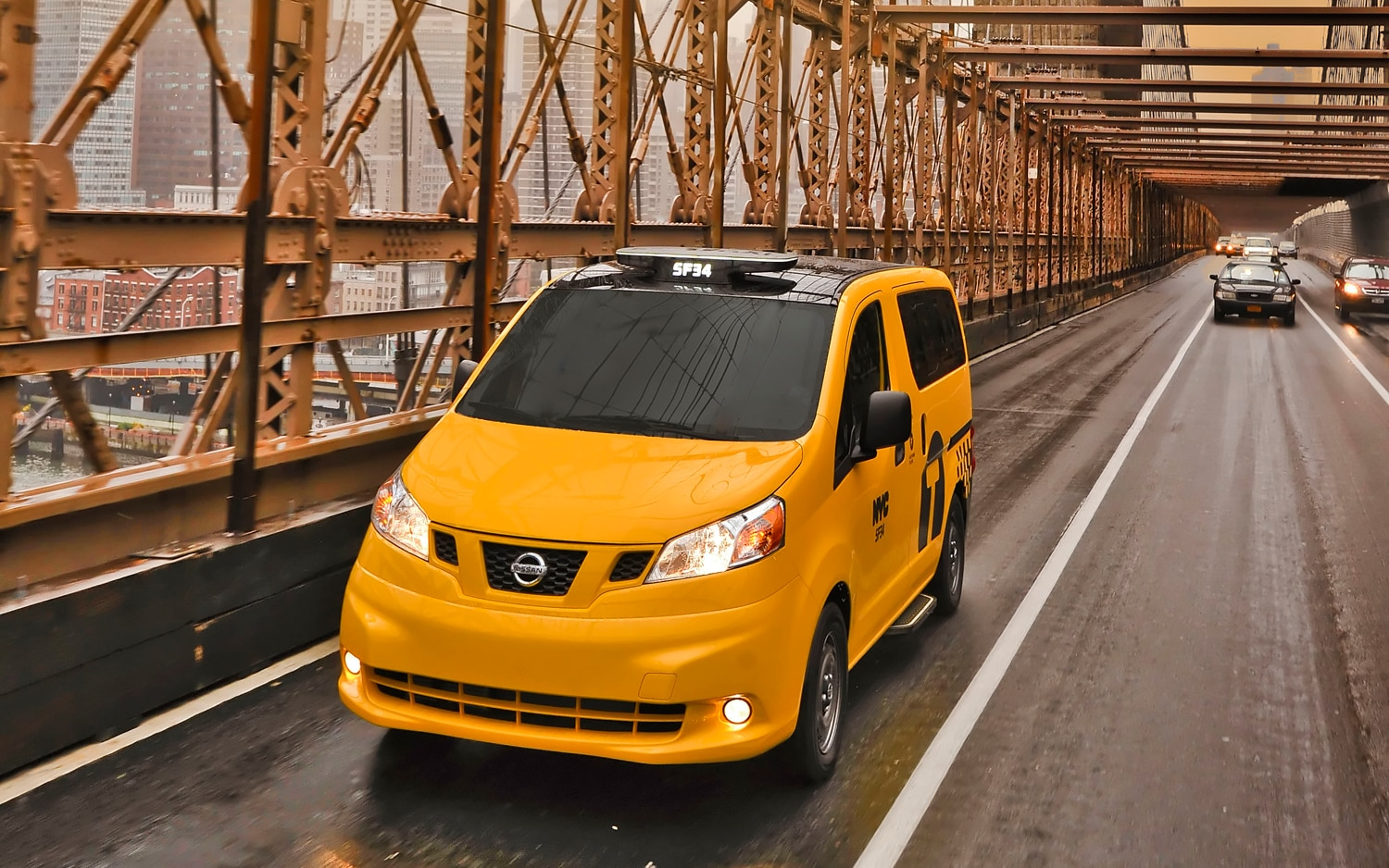 2014 Nissan NV200 Taxi On Bridge1