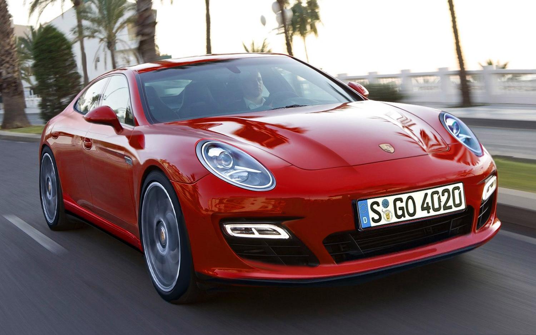 2018 Porsche Pajun Front Three Quarter1