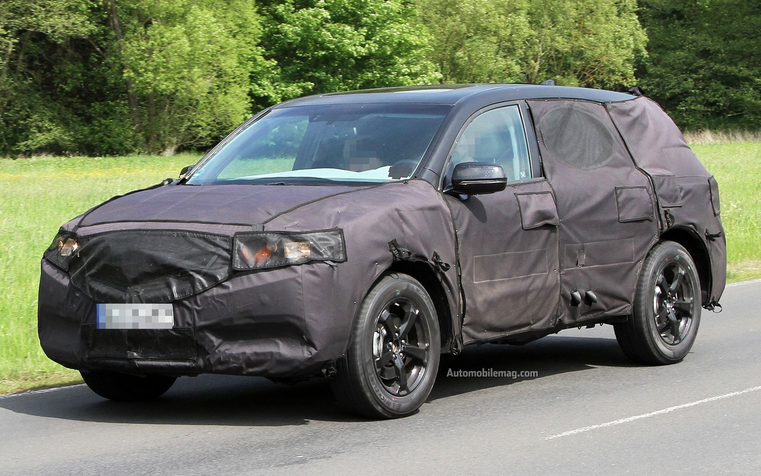 Acura MDX Spy Photo Front Three Quarter 31