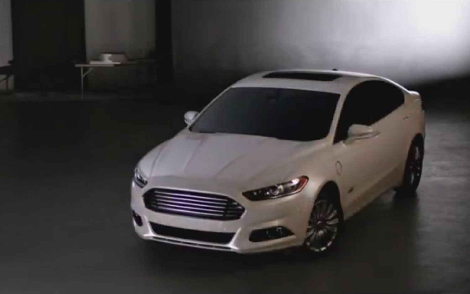 Badgeless 2013 Ford Fusion Energi1