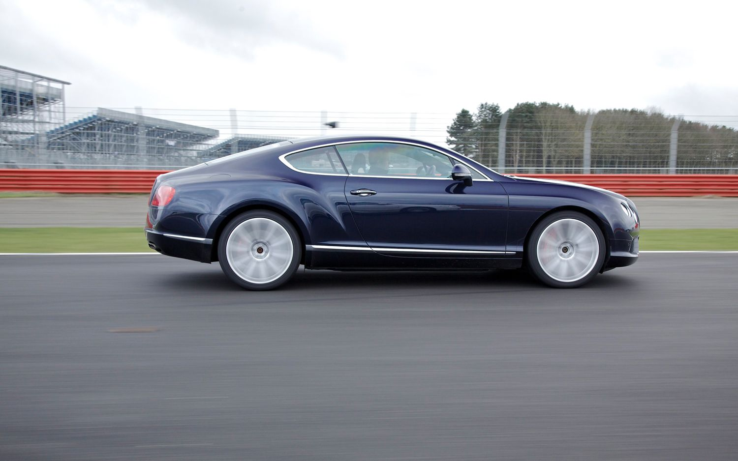 Bentley Continental GT V8 Right Side View 21