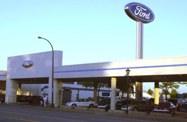 Ford Dealership1