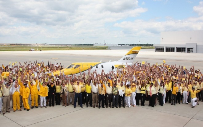 HondaJet F3 Group Shot Outside Headquarters1 660x413