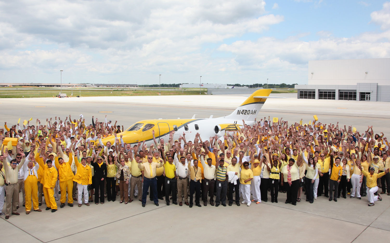 HondaJet F3 Group Shot Outside Headquarters1