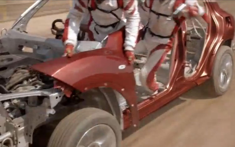 Juke Born To Thrill Video 31