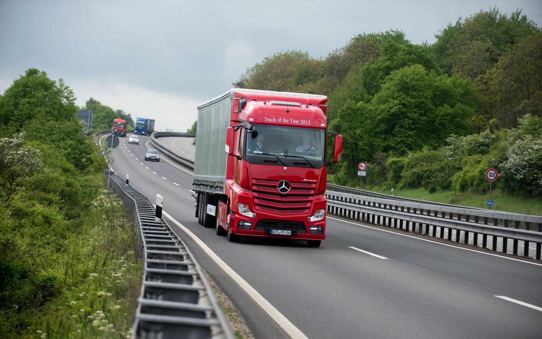 Mercedes Benz Actros Truck Front1