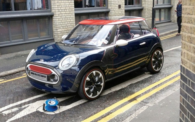 Mini Rocketman Spotted In London1 660x413