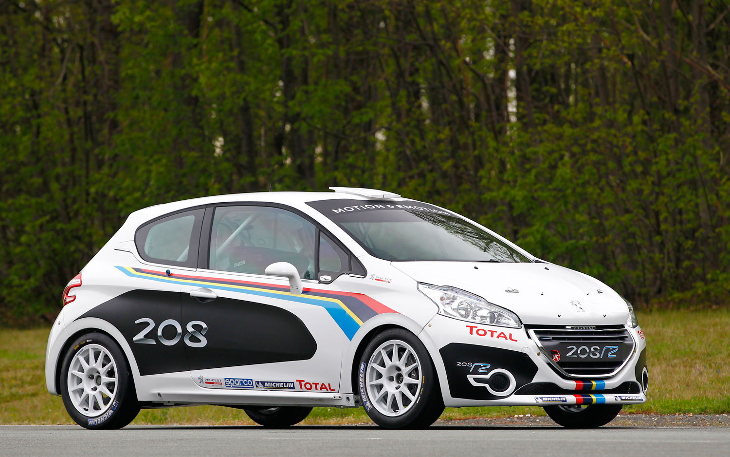Peugeot 208 R2 Rally Front Right Angle1