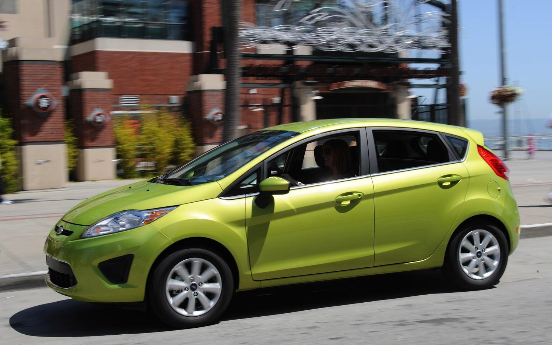 2011 Ford Fiesta Front Three Quarter1