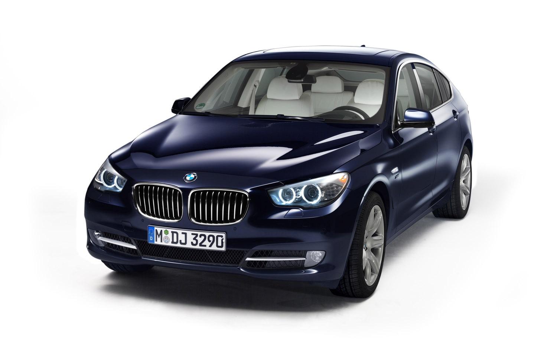 2012 BMW 5 Series GT Front Three Quarter 21