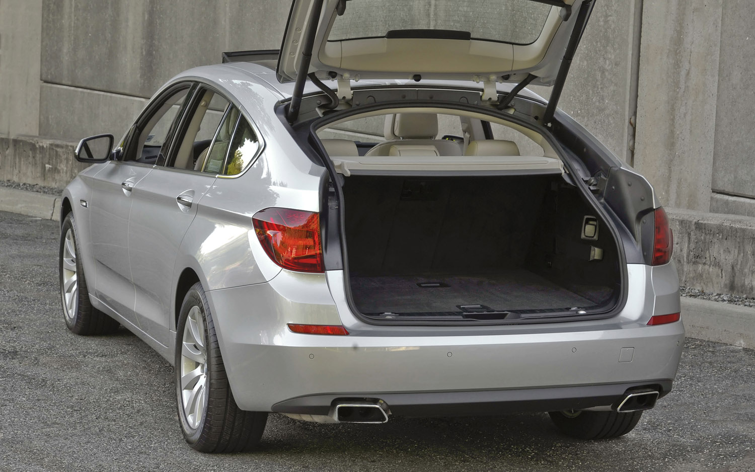 2013 BMW 5 Series GT Gains Stop-Start, More Power