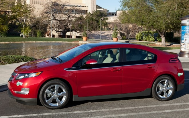 2012 Chevrolet Volt Profile1 660x413