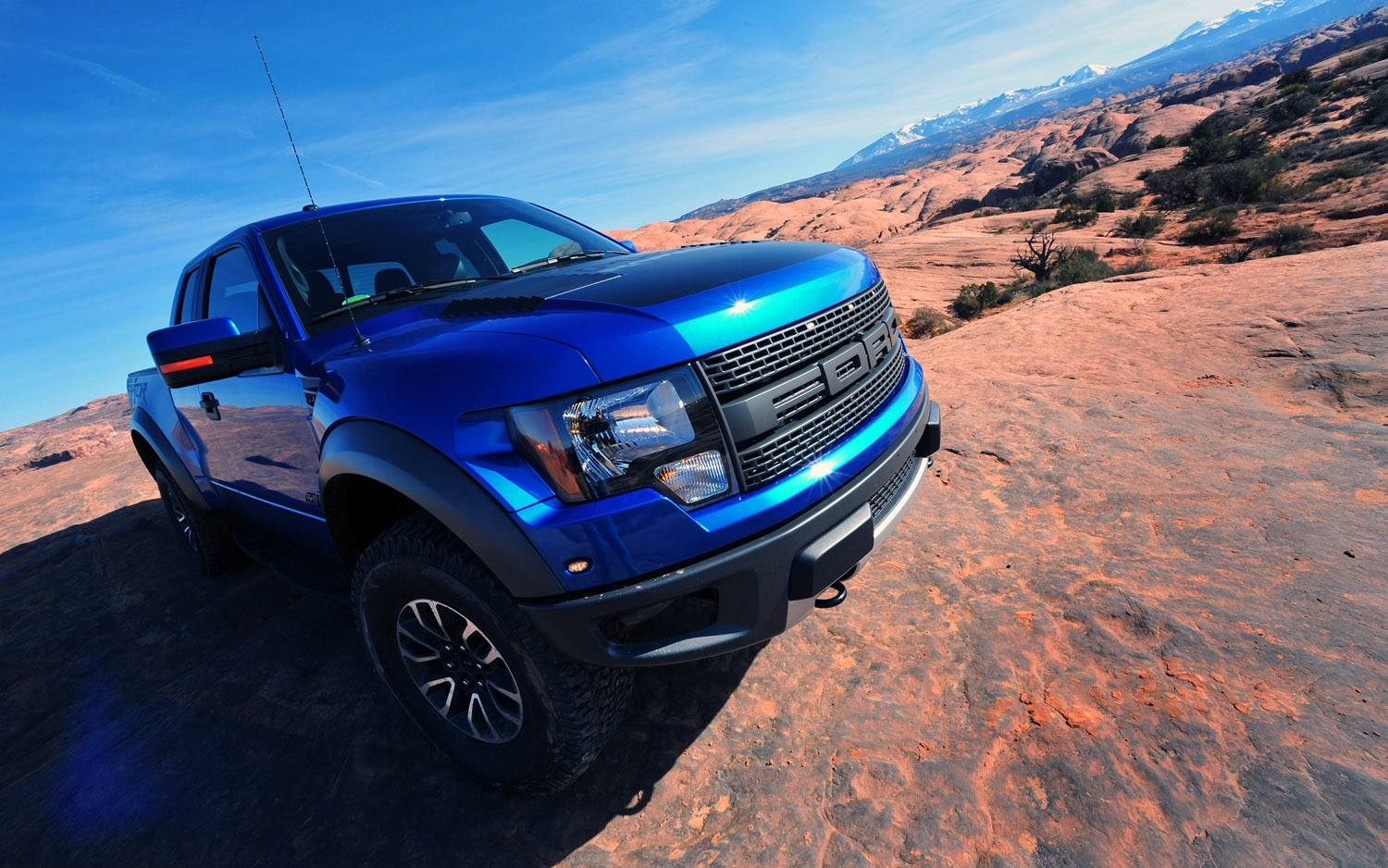 2012 Ford SVT Raptor Front Three Quarter1