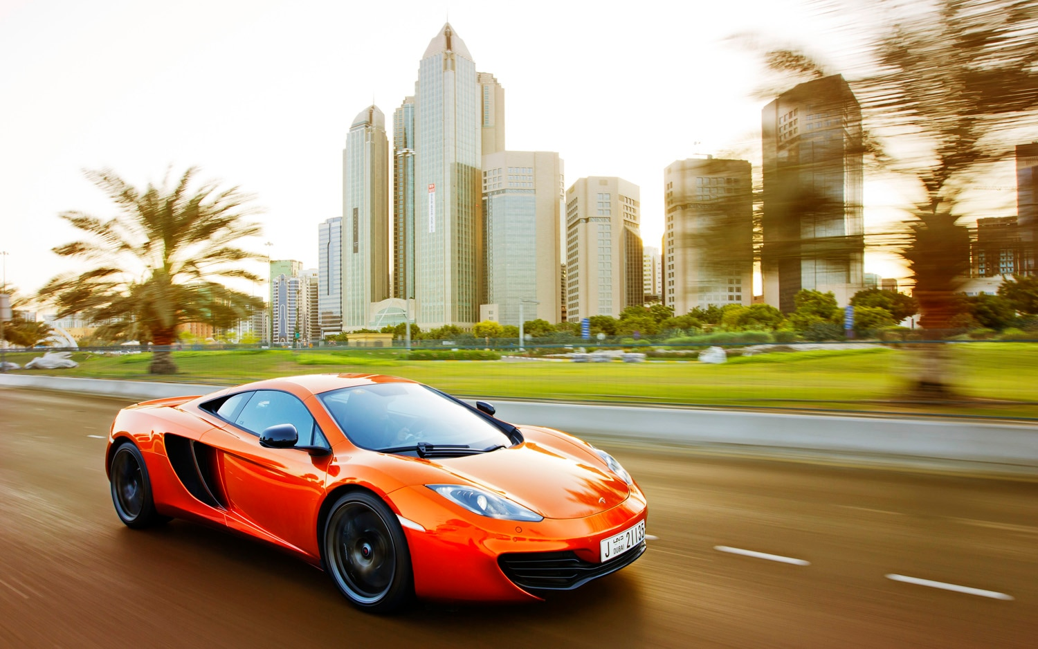 2012 McLaren MP4 12C Front Three Quarter Abu Dhabi1