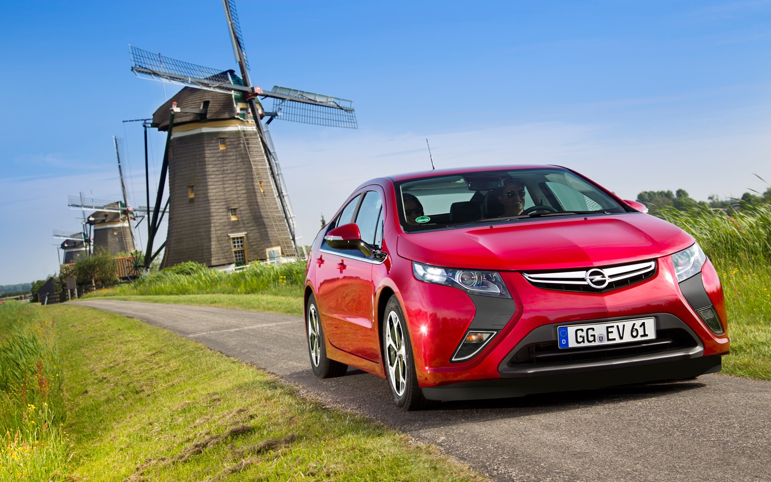 2012 Opel Ampera Right Front 11