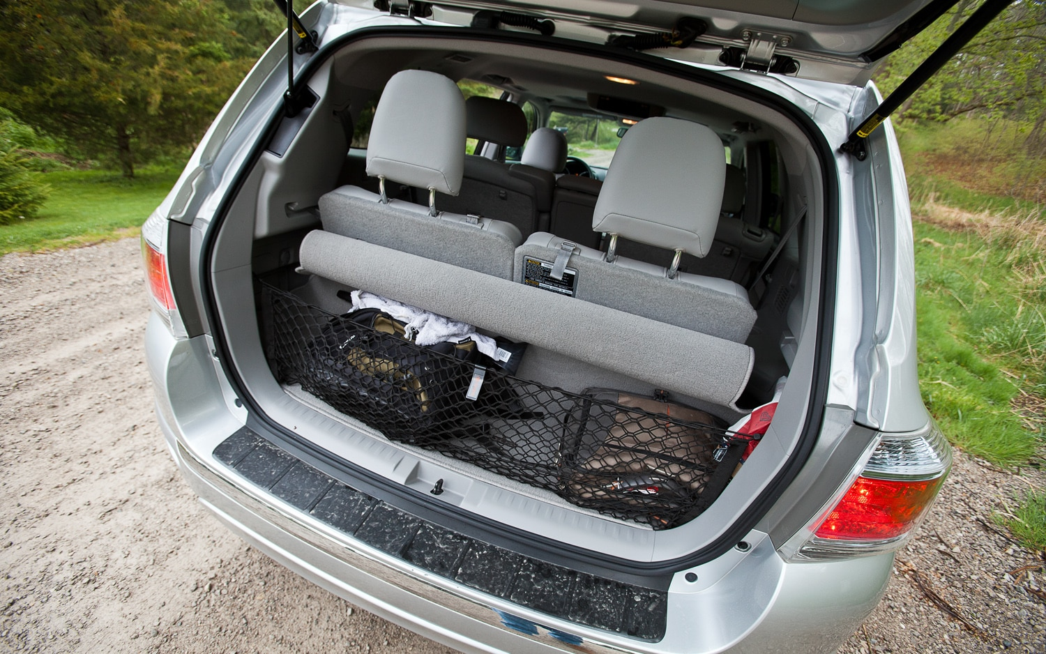 Toyota Highlander Cargo Space >> 2012 Toyota Highlander Hybrid - Editors' Notebook - Automobile Magazine