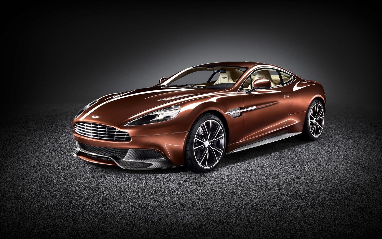 2013 Aston Martin Vanquish Front Three Quarter1