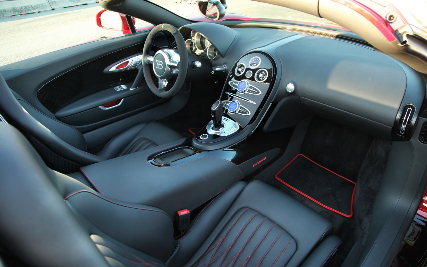 first drive 2013 bugatti veyron 16 4 grand sport vitesse. Black Bedroom Furniture Sets. Home Design Ideas