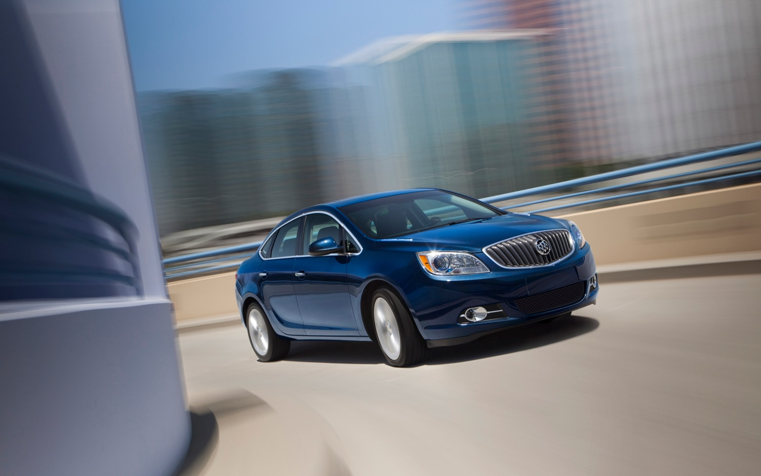 2013 Buick Verano Turbo Front Three Quarter Turn1