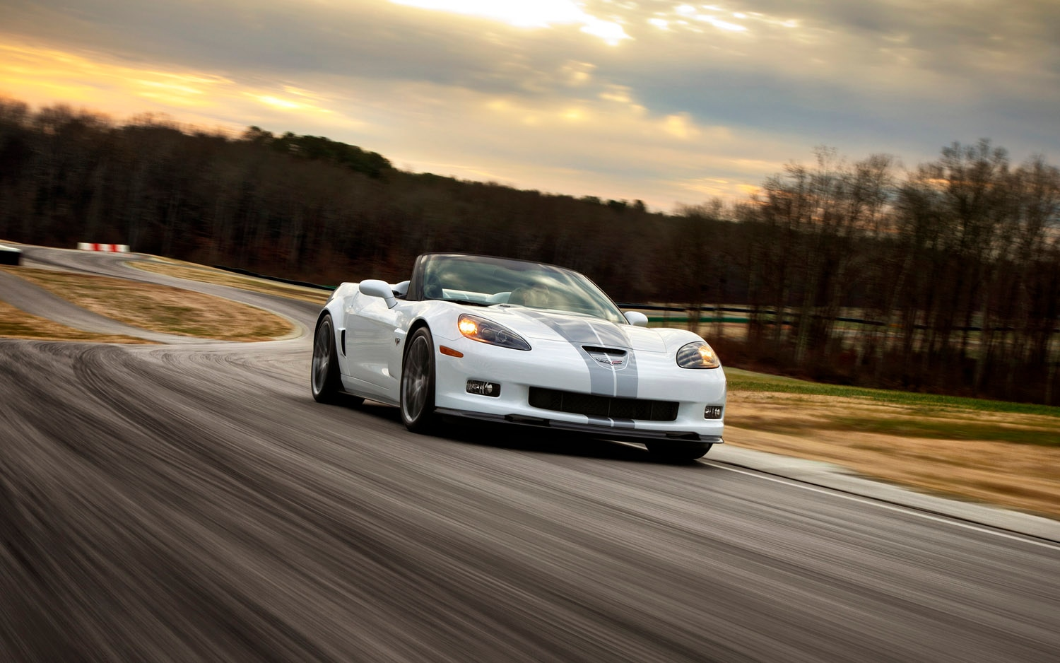 2013 Chevrolet Corvette 427 Convertible Front Three Quarter1
