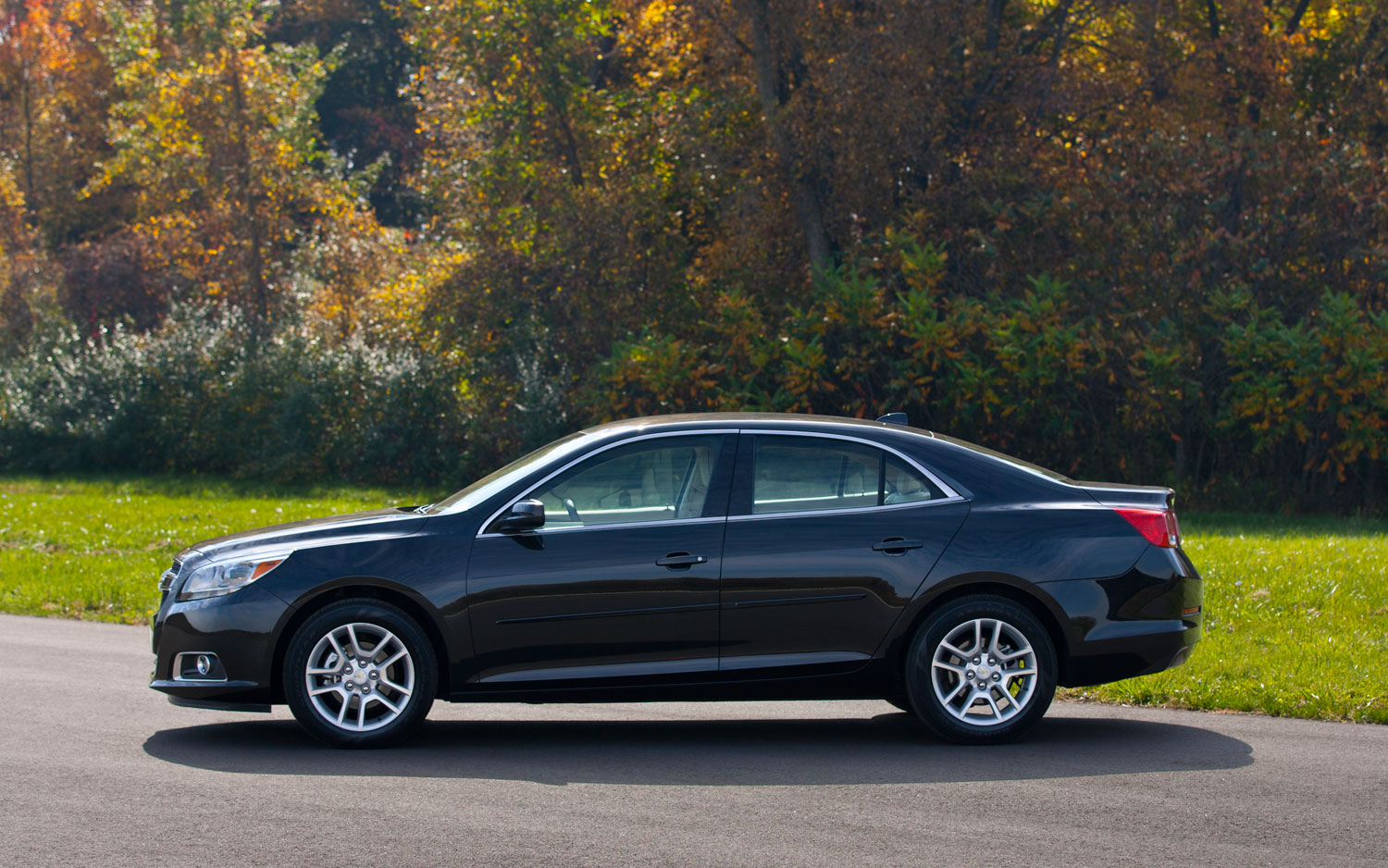 2013 Chevrolet Malibu ECO Left 111
