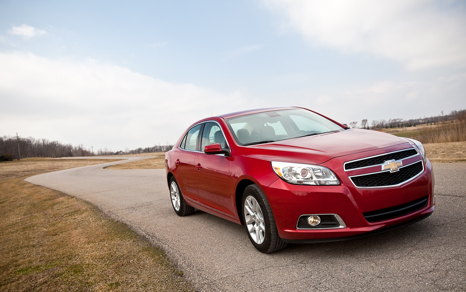2013 Chevrolet Malibu Eco Front Right View1