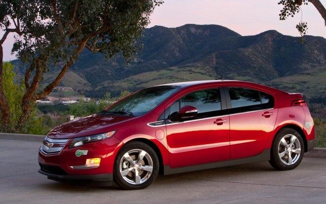 2013 Chevrolet Volt Front Three Quarter1 660x413