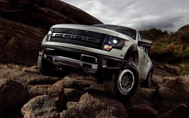 2013 Ford F 150 SVT Raptor Front Three Quarter1 660x413