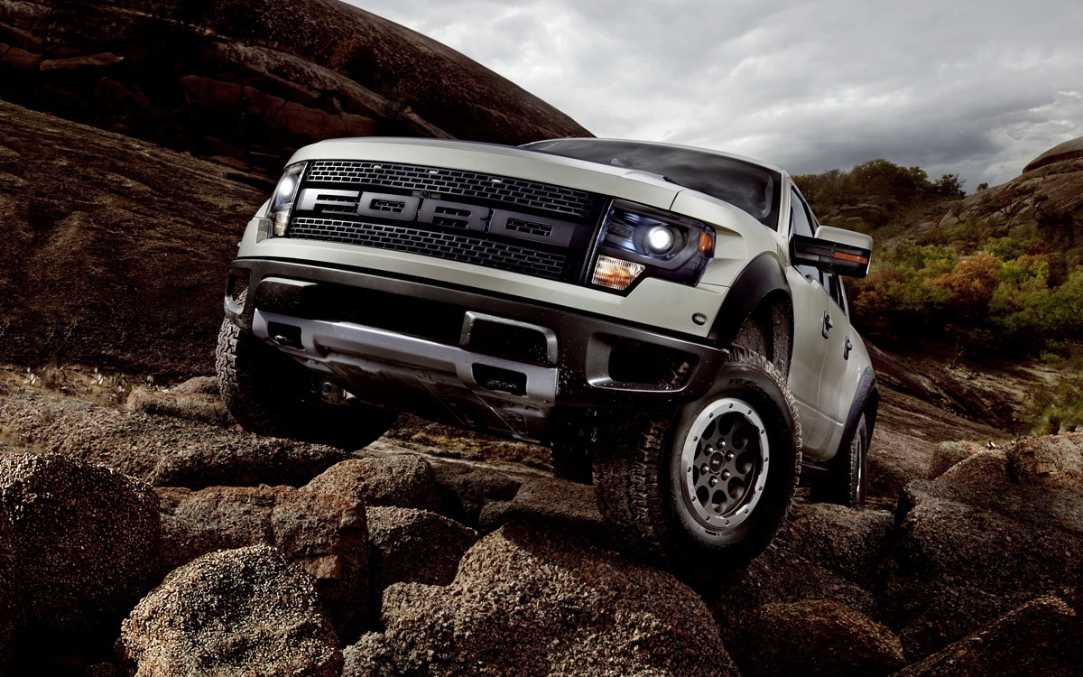 2013 Ford F 150 SVT Raptor Front Three Quarter1