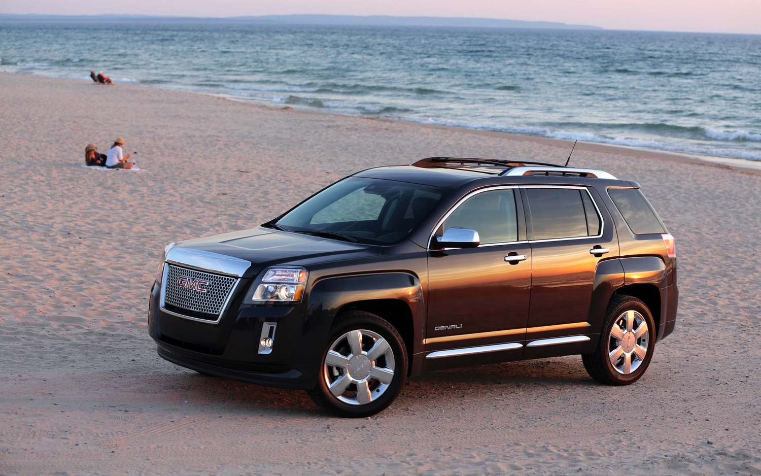 rating suv reviews gmc denali trend fwd view cars and motor side terrain