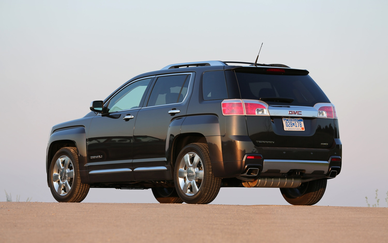 first drive 2013 gmc terrain denali automobile magazine. Black Bedroom Furniture Sets. Home Design Ideas