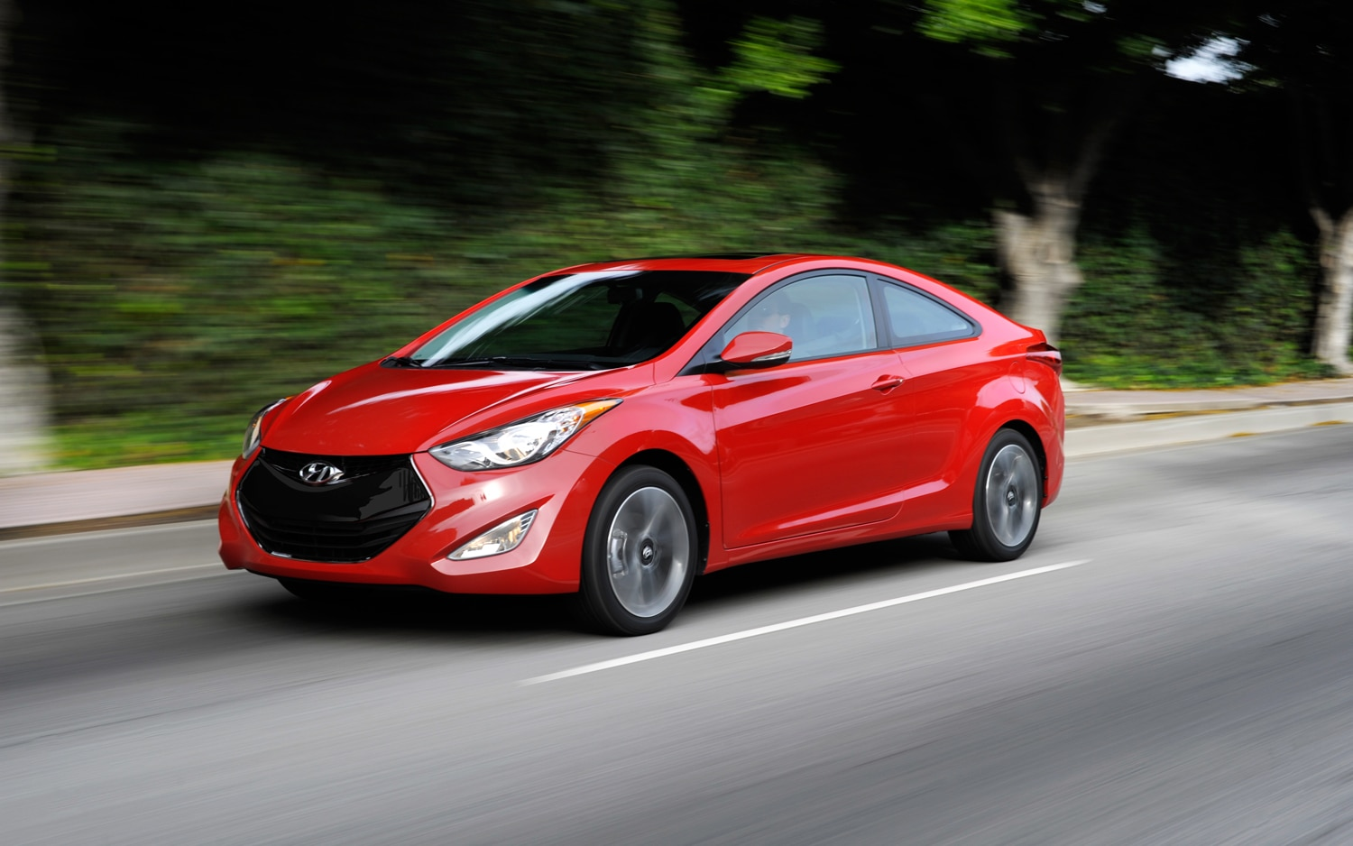 2013 Hyundai Elantra Coupe Side In Motion