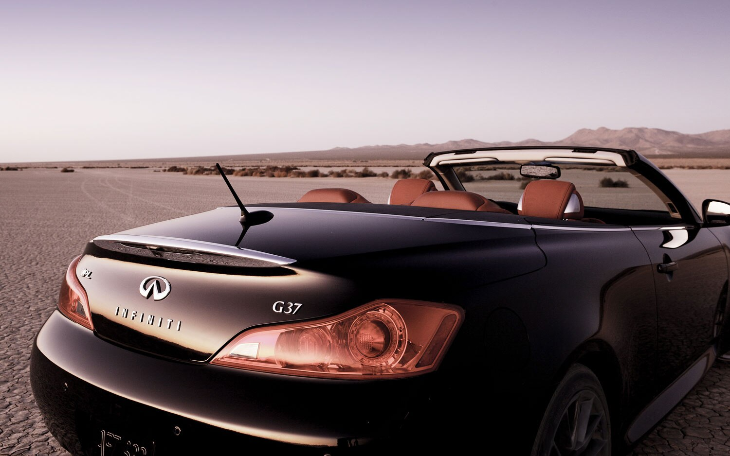 2013 Infiniti G37 IPL Convertible Right Rear View1