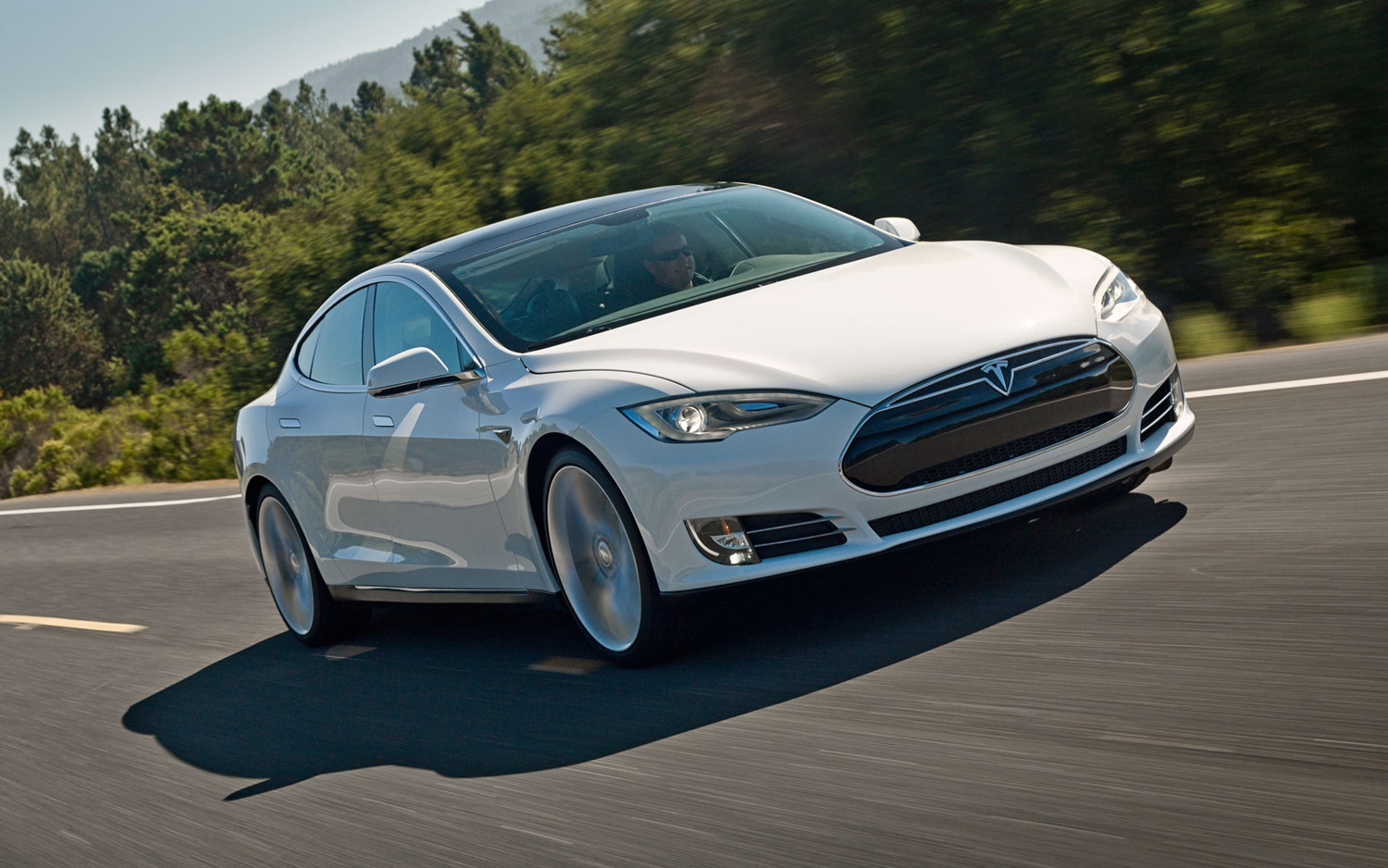 2013 Telsa Model S Front End In Motion1