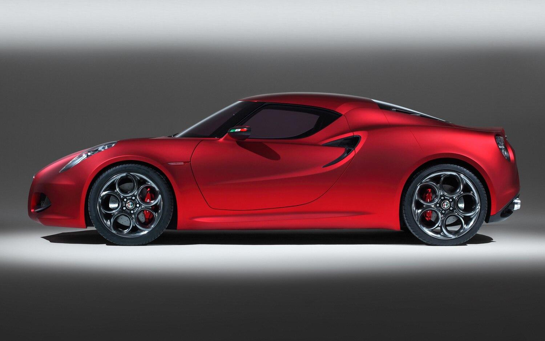 Alfa Romeo 4C Concept Profile1