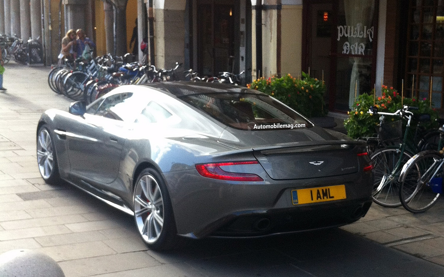 Aston Martin Vanquish Right Rear 21
