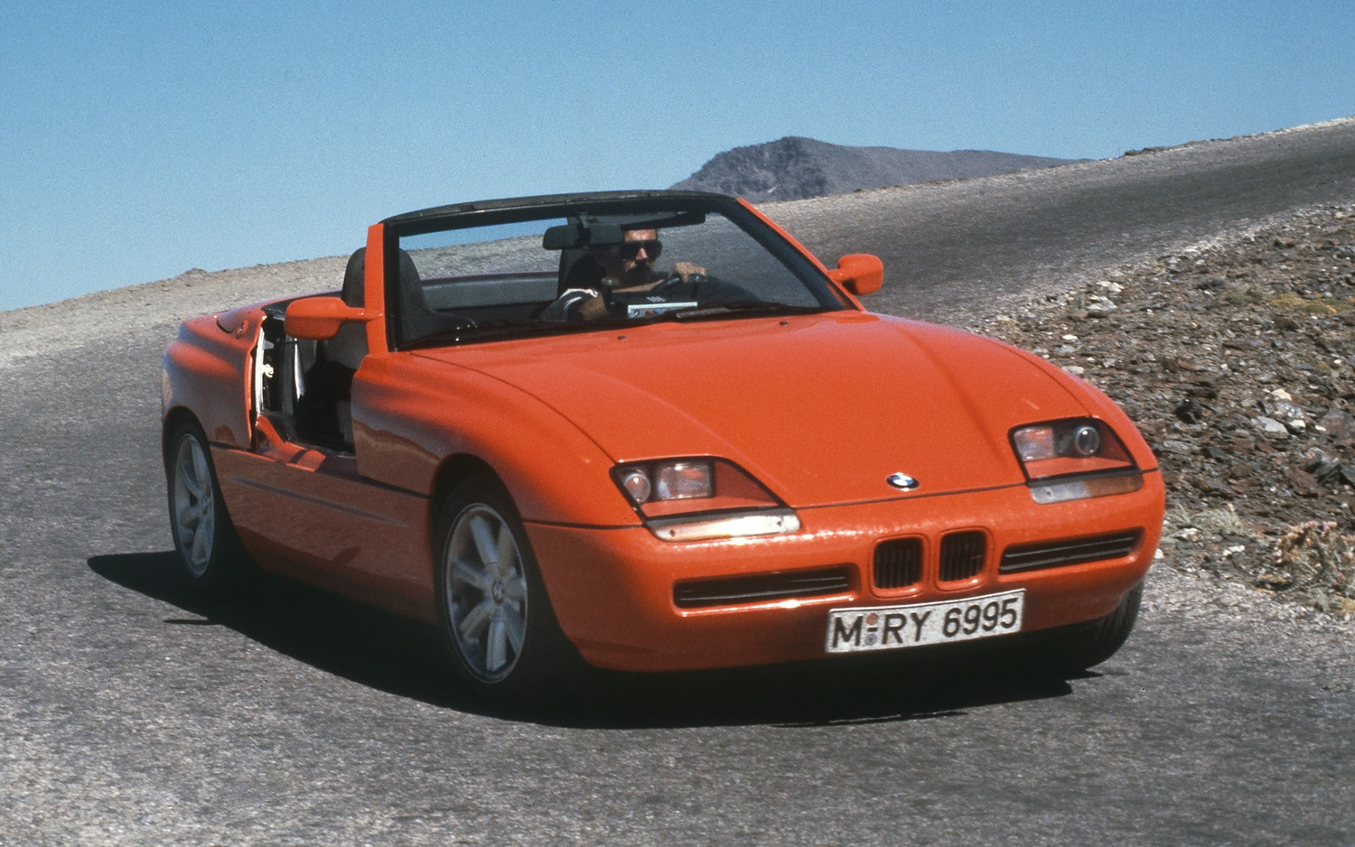 happy 25th birthday bmw z1 roadster. Black Bedroom Furniture Sets. Home Design Ideas