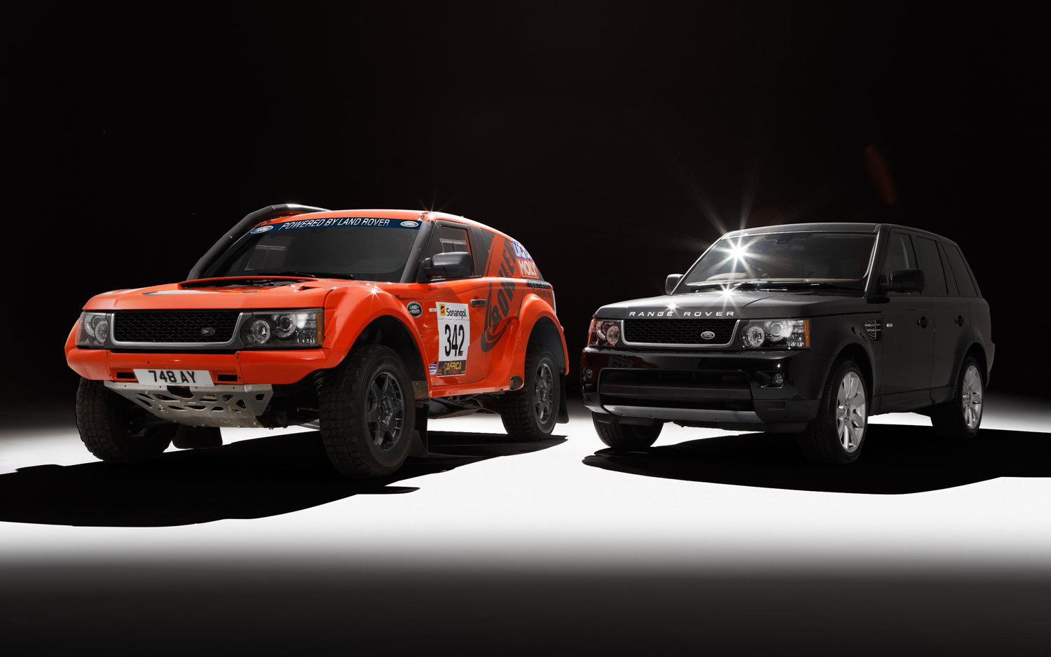Bowler EXR And Ranger Rover Sport Front1
