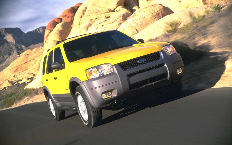 2001 Ford Escape Fron Three Quarter1