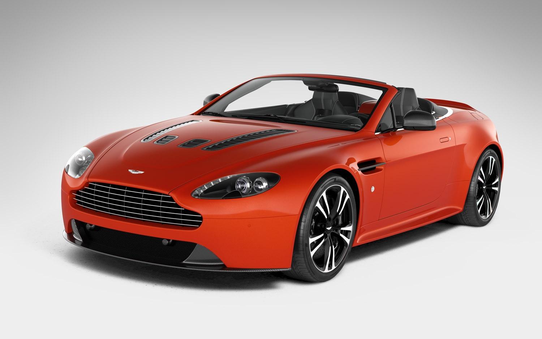 2012 Aston Martin V12 Vantage Roadster Front Three Quarter1