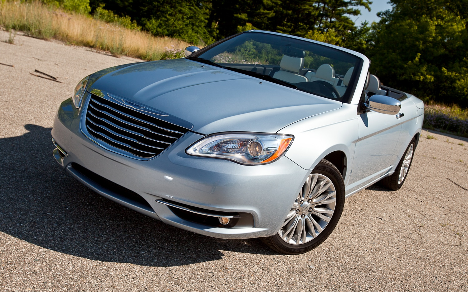 2012 Chrysler 200 Limited Convertible Front Left View1