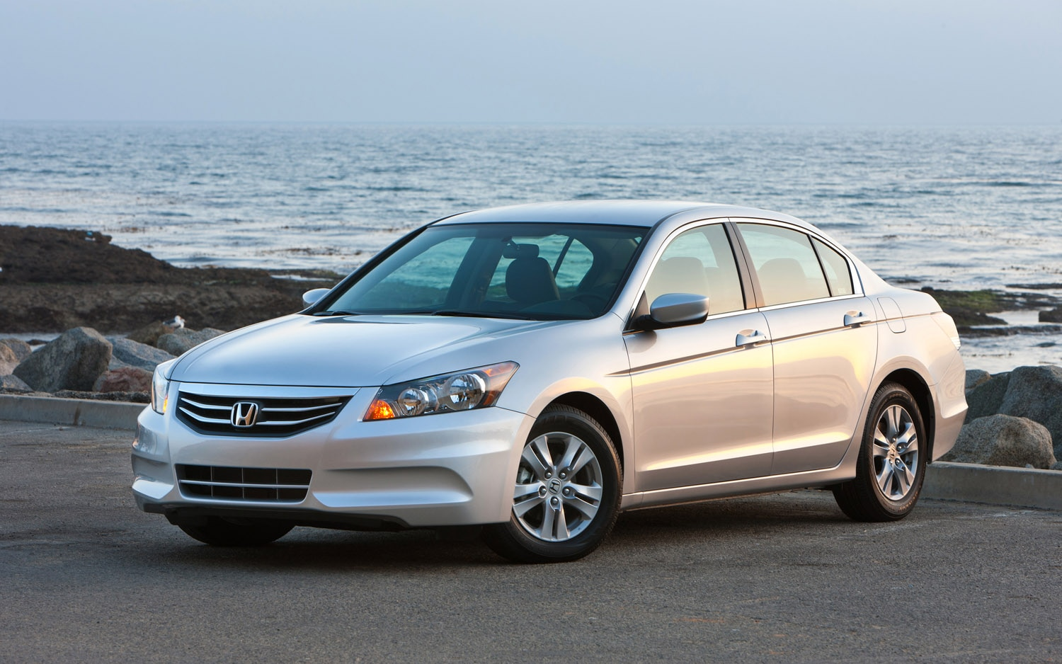 Mid size sedan sales malibu and accord fight for second for 200 honda accord